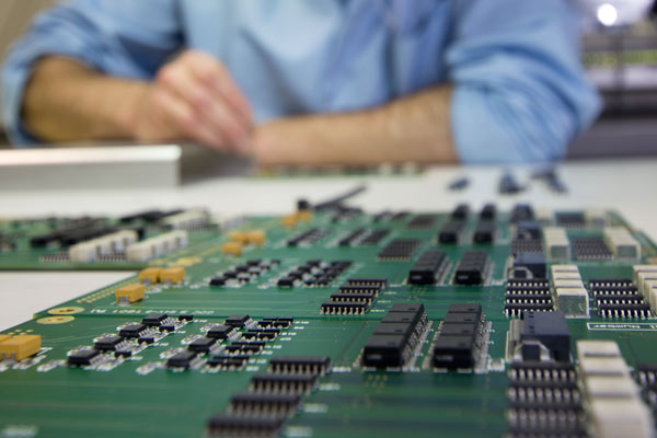 PCB repair, modification and upgrade by Phoenix Systems